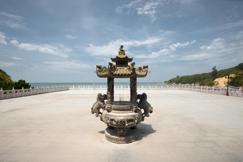 Urn do incenso do templo de Matsu imagens de stock