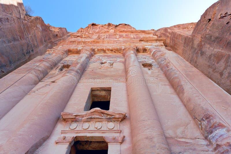 urn för facadepetra-tomb royaltyfri fotografi