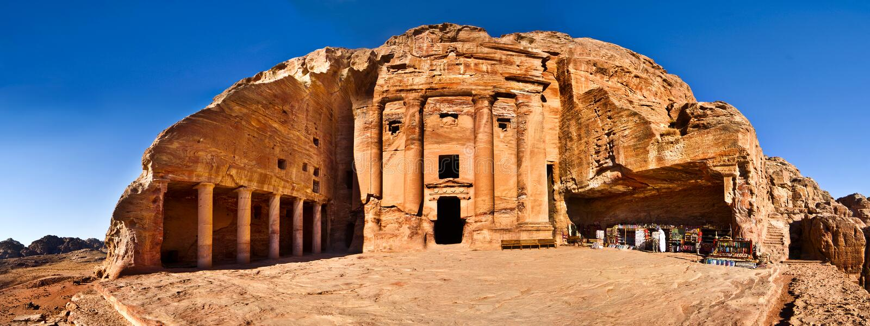 urn för jordan petra-tomb royaltyfria foton