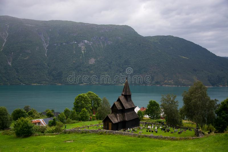 Urnes Stave Church, Ornes, Noorwegen stock foto's