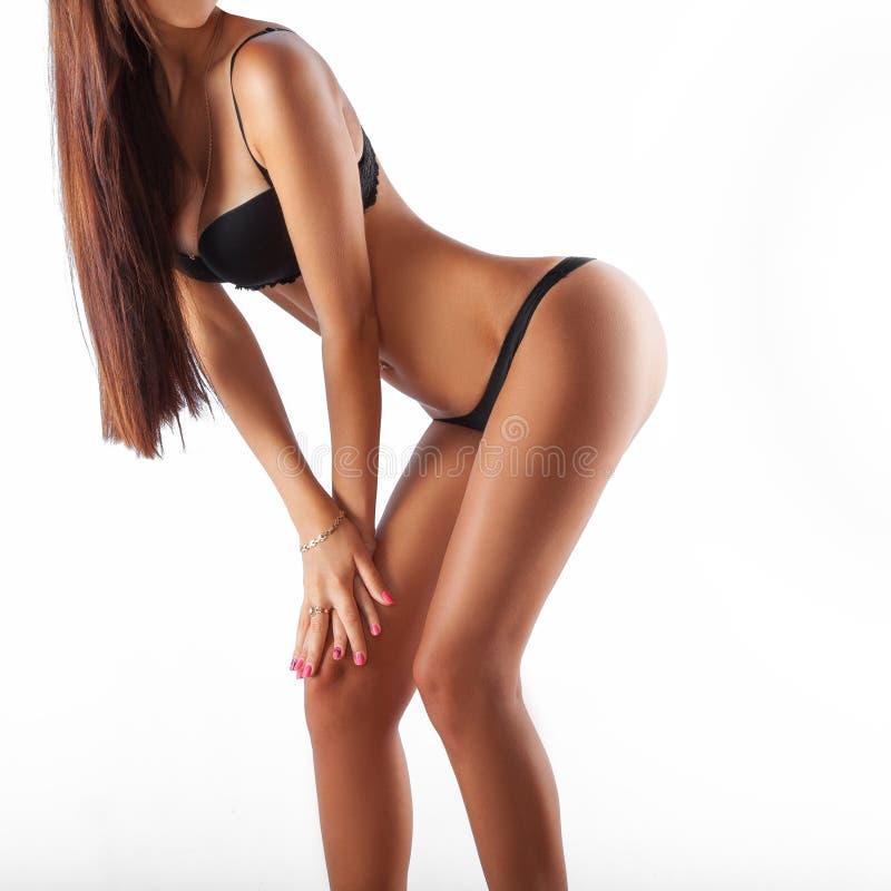 Download Urocza Szczupła Dziewczyna W Czarnej Bieliźnie Obraz Stock - Obraz złożonej z wspaniały, dziewczyna: 57663631
