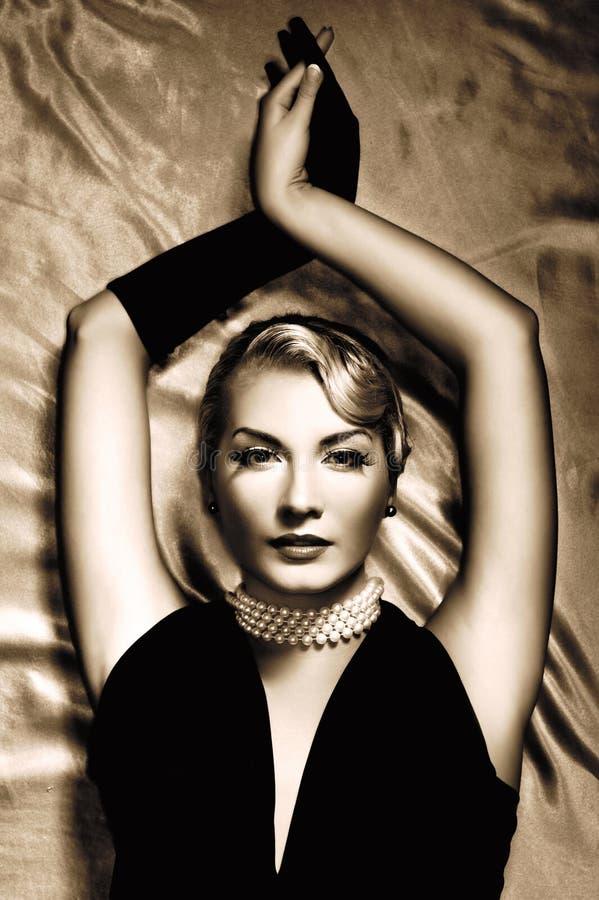 uroczego portreta retro kobieta zdjęcie stock