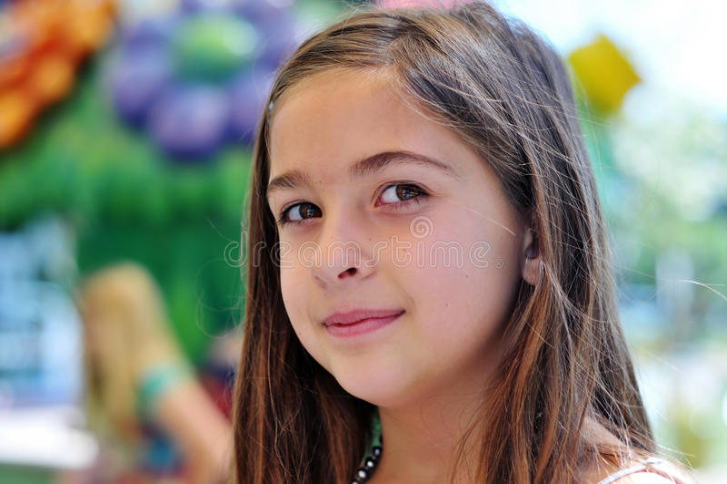 uroczej dziewczyny fotografii uśmiechnięci potomstwa obrazy royalty free