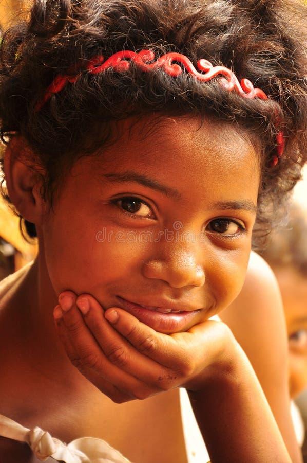 Uroczy creole dziewczyny ono uśmiecha się obraz stock