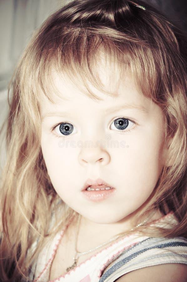 uroczy dziecka zbliżenia portret obrazy stock