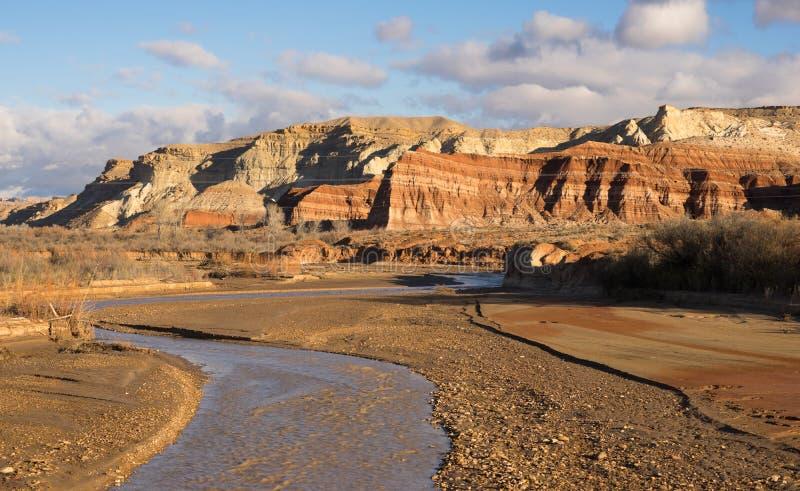 Uroczyste Escalante Utah kołysania się Południowe chmury Pahreah R zdjęcia stock
