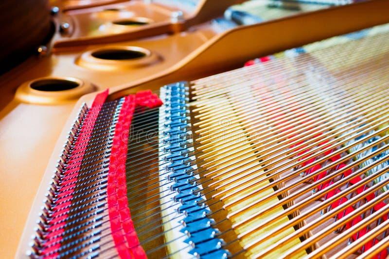 Uroczystego pianina sznurki obraz royalty free