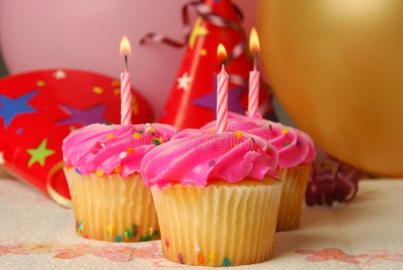 urodzinowe babeczki obrazy stock