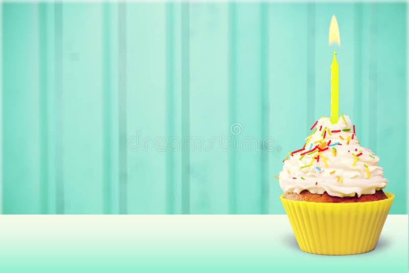 Urodzinowy capcake fotografia stock