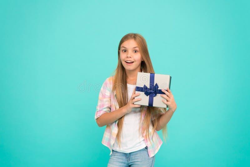 Urodzinowy lista życzeń szczęście, radość i Wszystkiego najlepszego z okazji urodzin pojęcie przyjemna niespodzianka Dziewczyna d obrazy stock