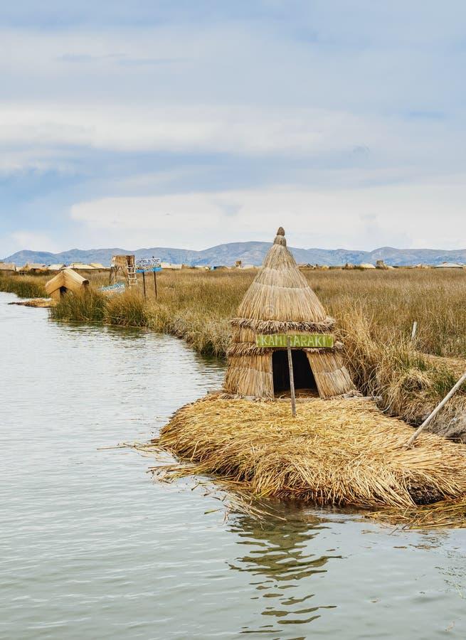 Uros Islands en el lago Titicaca en Perú fotografía de archivo