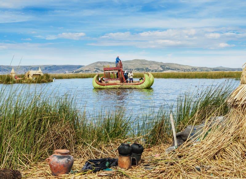 Uros Islands no lago Titicaca no Peru imagem de stock