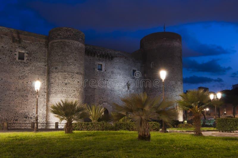 Ursino Schloss in Catania Sizilien Italien lizenzfreie stockfotos