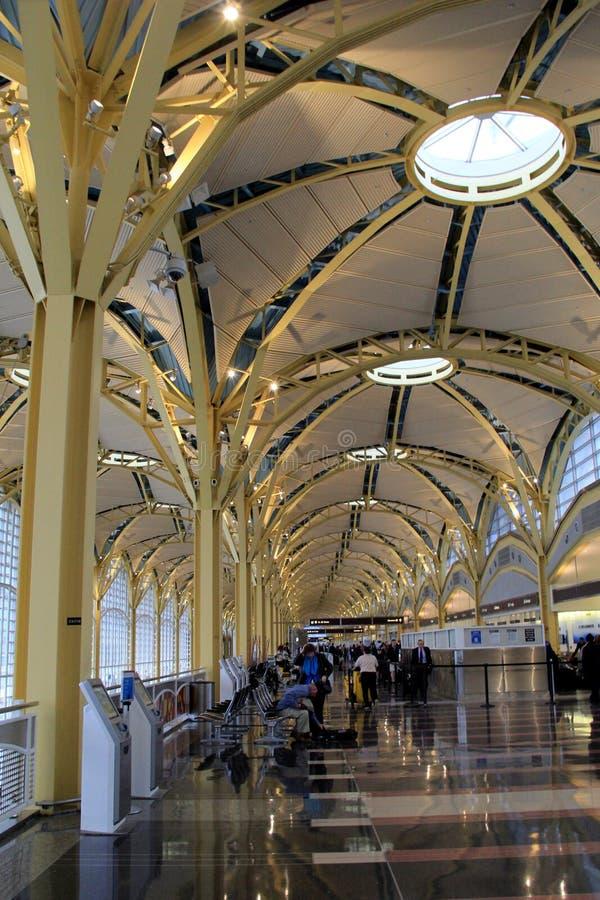 Ursnygg arkitektur av inre av Ronald Reagan Washington National Airport, Washington, DC, 2015 arkivfoto