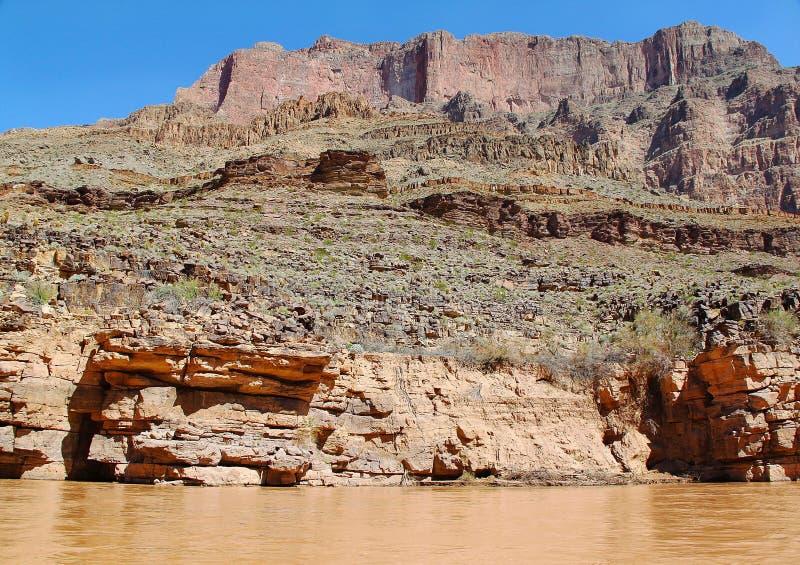 Ursnygg sikt på Coloradofloden, Grand Canyon, Arizona blå sky för bakgrund arkivbilder