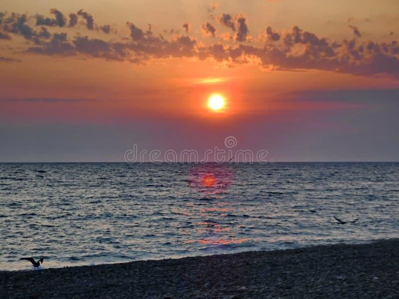 Ursnygga solnedgångar av Blacket Sea! Overklig skönhet verkar för att vara en vanlig händelse arkivfoto