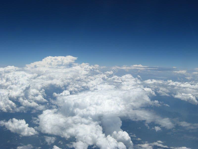 Ursnyggt molnlandskap fotografering för bildbyråer