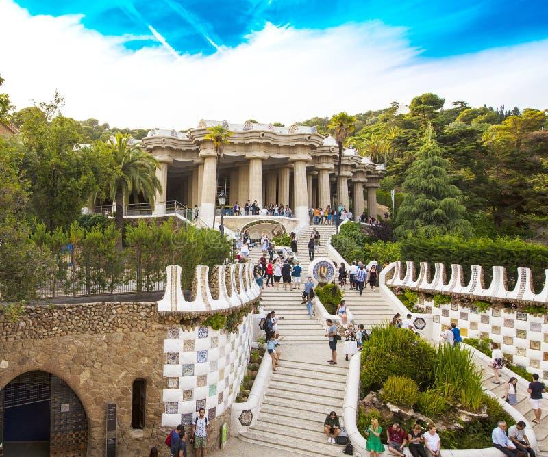 Ursnyggt och förbluffa parkera Guel i Barcelona arkivfoton