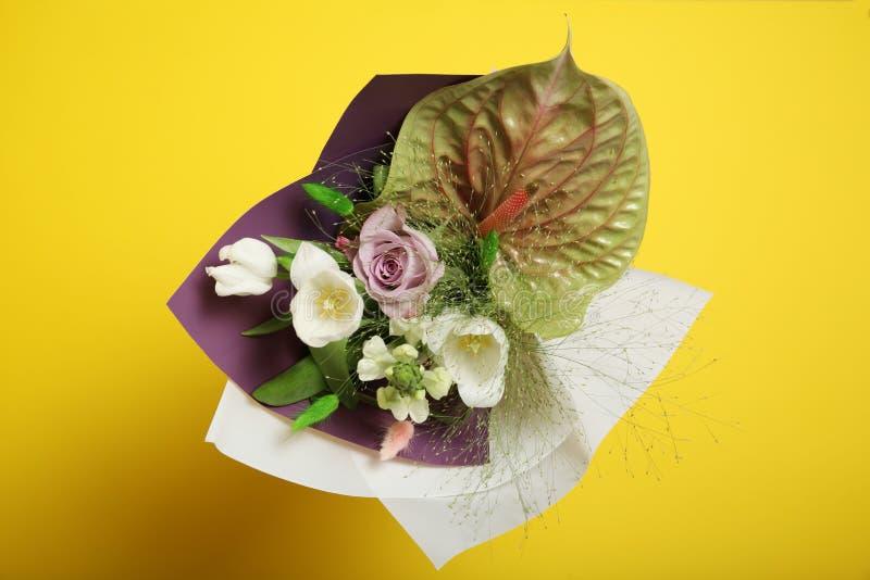 Ursprünglicher Blumenblumenstrauß, helle Schönheitsdekoration lizenzfreie stockfotografie