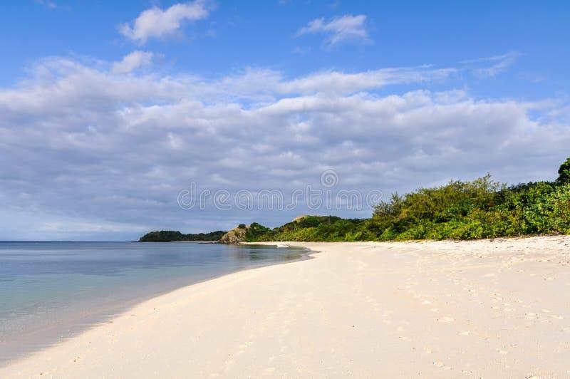 Ursprunglig strand på Mana Island, Fiji royaltyfri fotografi