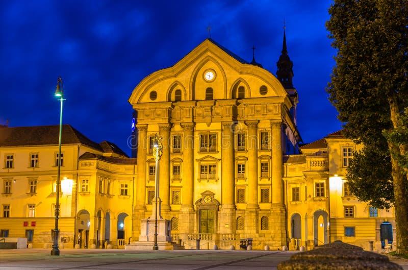 Ursuline Church der Heiligen Dreifaltigkeit in Ljubljana, Slowenien lizenzfreie stockbilder