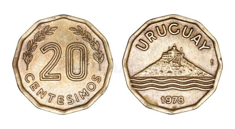 Uruguayanskt mynt 20 tjugo centesimos 1978 som överst bygger av kullen, stiliserade vågor under som isoleras på vit bakgrund royaltyfria bilder