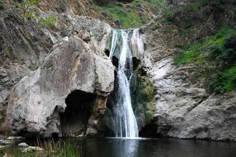 urwaldwasserfall stockfoto bild von felsen wasserfall