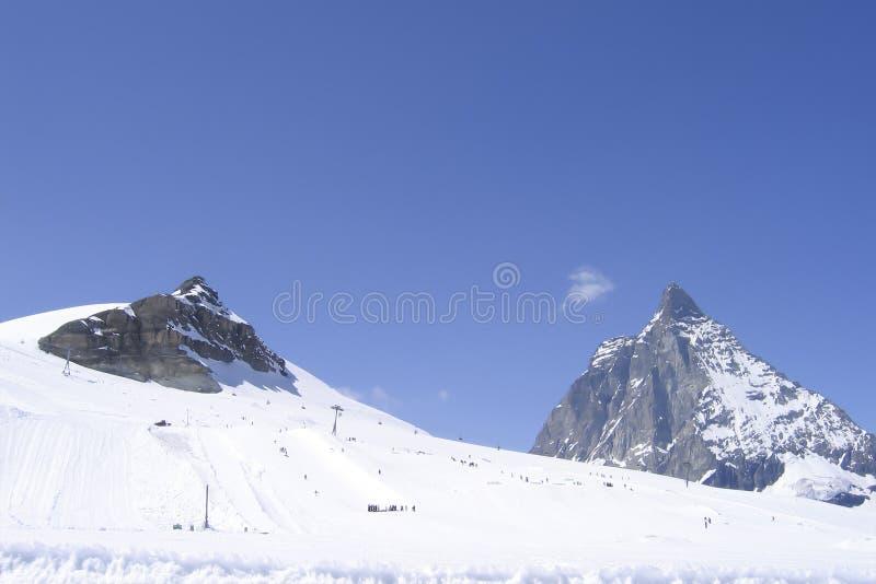 Urwista Matterhorn góra na słonecznego dnia szwajcara Alps fotografia stock