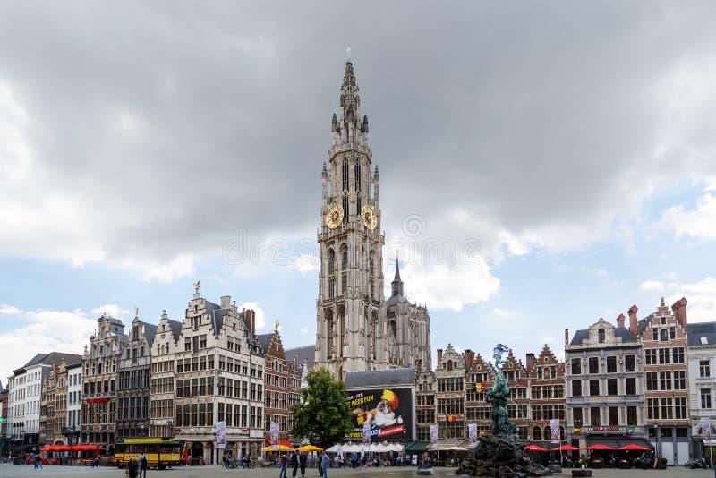 Urząd Miasta i Stary miasteczko w Antwerp zdjęcia stock