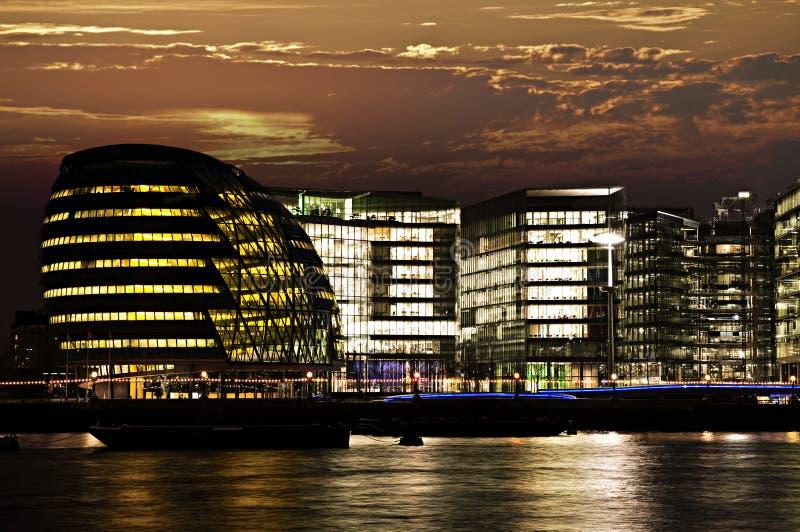 urząd miasta London noc zdjęcie royalty free