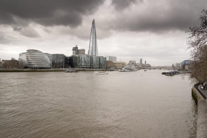 Urząd miasta od wierza Londyn i czerep zdjęcia stock