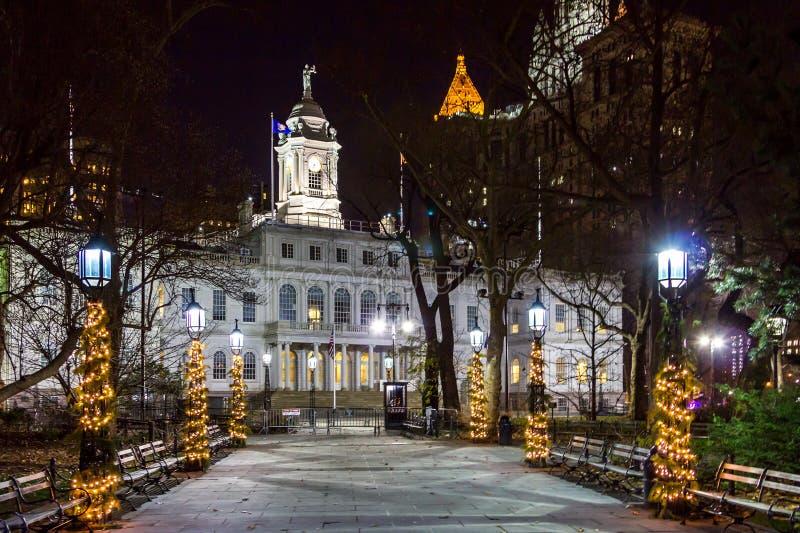 Urząd Miasta przy nocą w Manhattan Miasto Nowy Jork zdjęcie royalty free