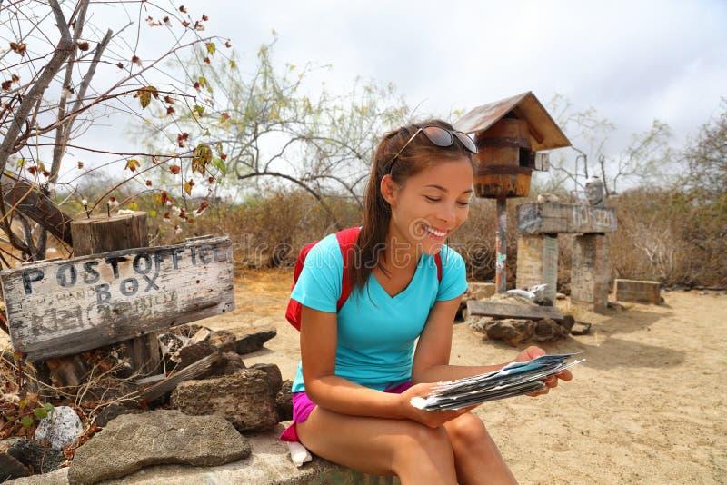 Urząd Pocztowy zatoka - turystyczne patrzeje pocztówki na Floreana Galapagos wyspach zdjęcia royalty free