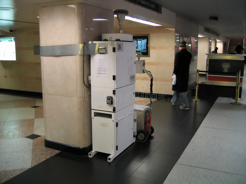 urządzenie zamontowane monitorowania powietrza stacji pociągu zdjęcie stock