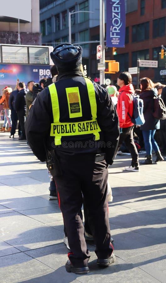 Urzędnik Bezpieczeństwa Publicznego Na Placu Times Square fotografia royalty free