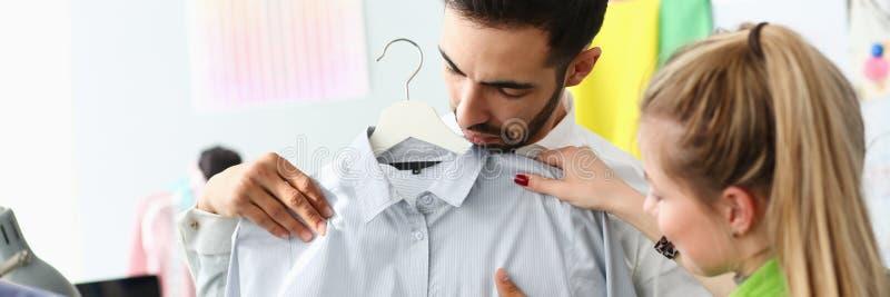 Usługa zastępcza kupującego Fashion Dressmaker Sewer obraz royalty free