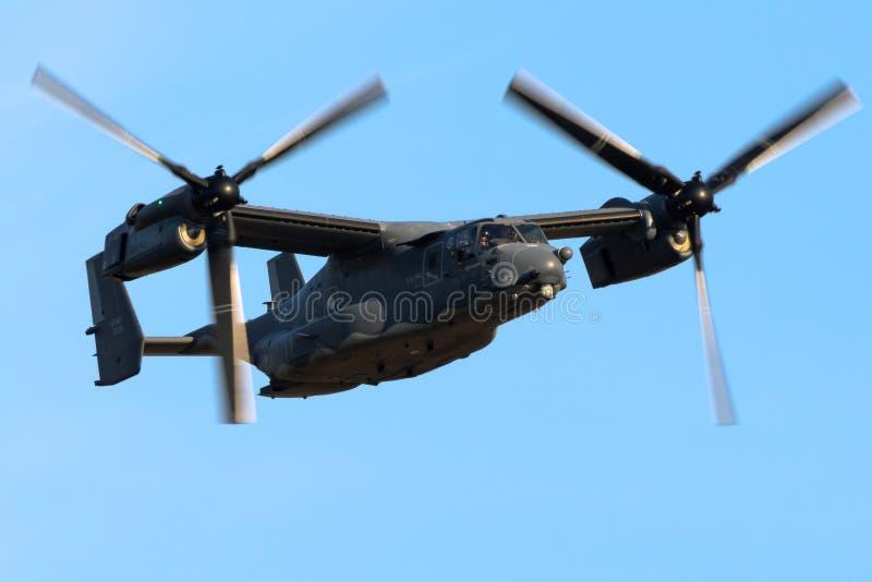 US Air Force Bell Boeing V-22 Osprey tiltrotor militärflygplan royaltyfria bilder