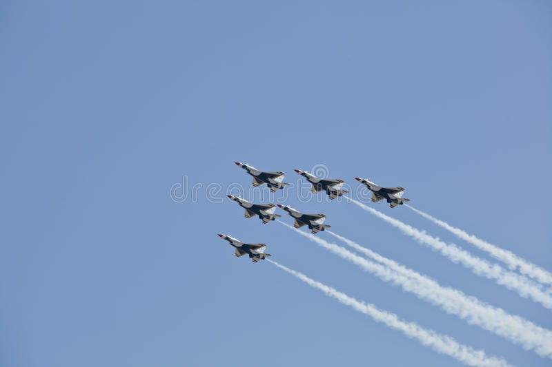 Download US Air Force Thunderbirds Demonstration Squadron Editorial Image - Image: 20632545