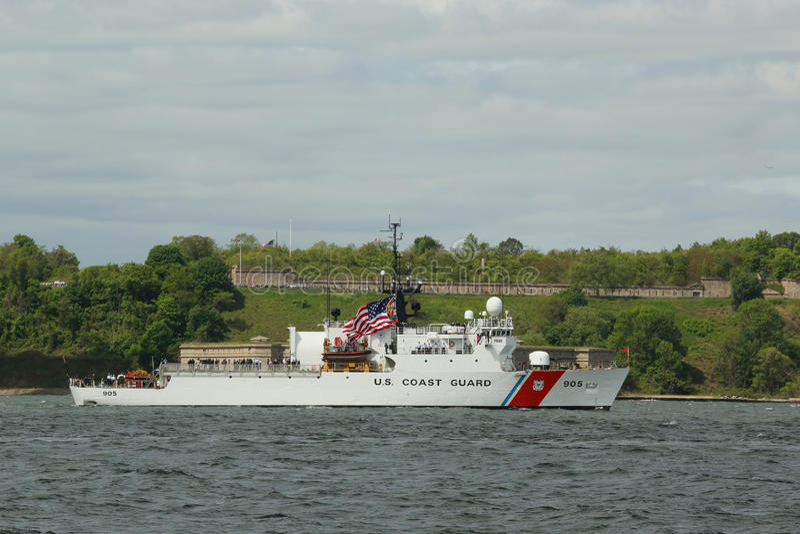 US-Küstenwache Cutter Spencer der Küstenwache Vereinigter Staaten während der Parade von Schiffen an der Flotten-Woche lizenzfreies stockbild