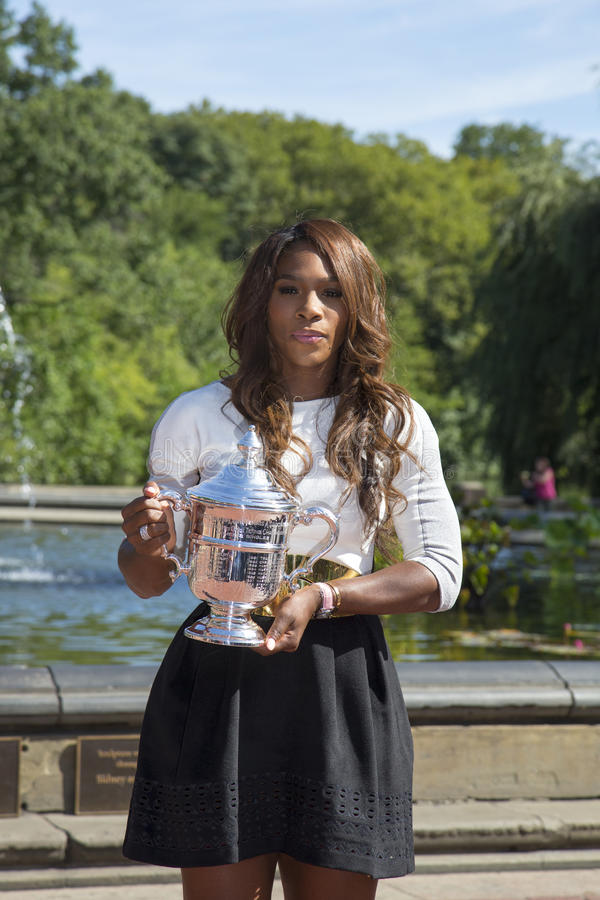 Download US Open 2013 Champion Serena Williams Posing US Open Trophy In Central Park Editorial Photography - Image: 33545062