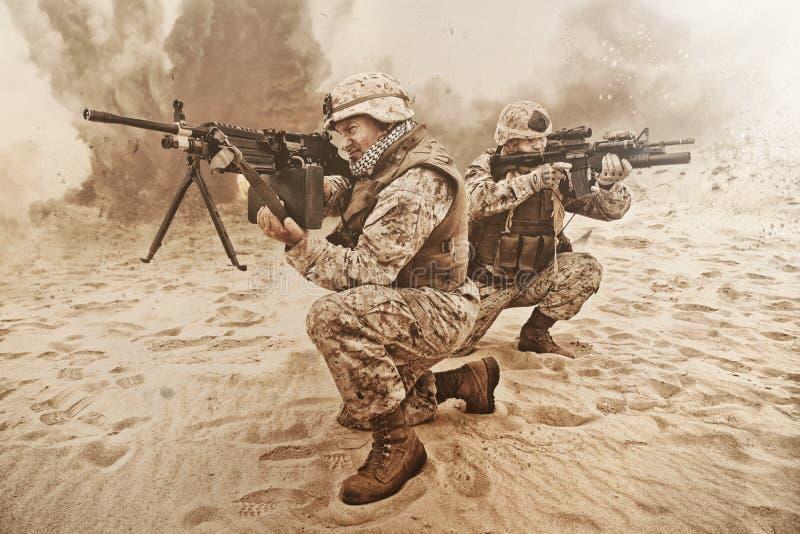 USA żołnierze piechoty morskiej w akci obrazy stock