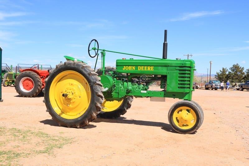Antique John Deere Show Tractors : Usa antique tractor john deere model h editorial