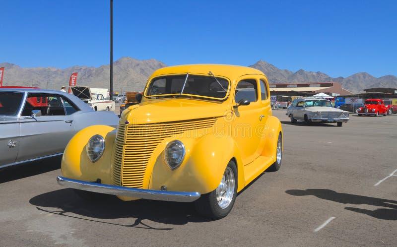 USA: Antykwarski samochód - 1938 Ford zdjęcia royalty free