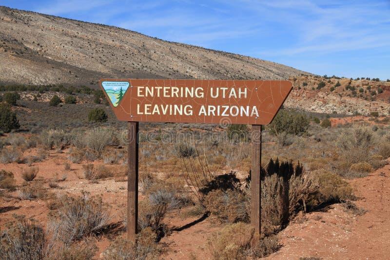 USA, Arizona/Utah: Staatsgrenze lizenzfreie stockfotos