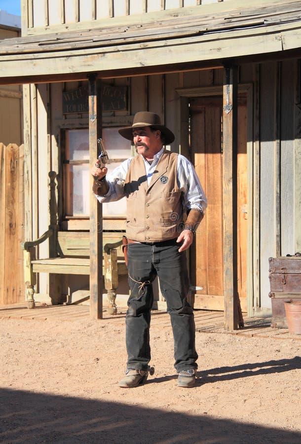 USA AZ: Gammalt västra - Gunfightskådespelare/marskalk royaltyfria bilder