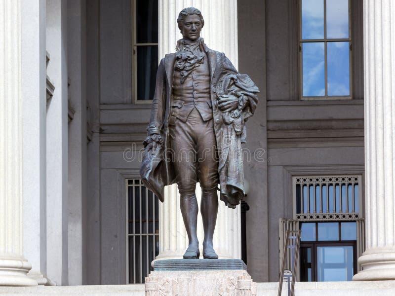 USA-finansdepartementetAlexander Hamilton Statue Washington DC arkivbilder