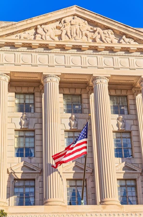 USA flaga na fasadzie USA handlu budynek w washington dc zdjęcie stock
