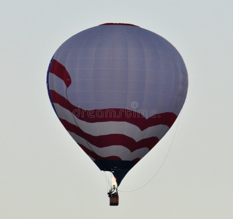 USA Heißluftballon über Albuquerque lizenzfreies stockfoto
