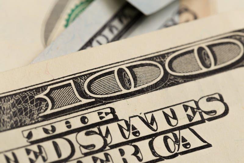 USA hundra dollarbeståndsdelar, toppen makro, stänger sig upp fotoet arkivbilder