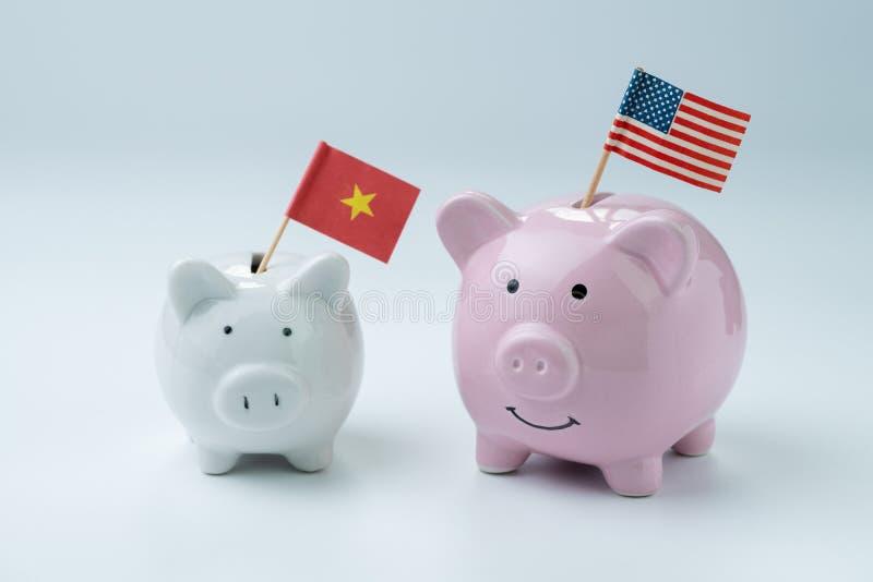 USA i Chiny finanse ekonomie lub wojny handlowa pojęcie, różowy prosiątko fotografia stock
